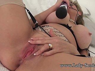 Lady Sonia porno filmy výstrek a HIV